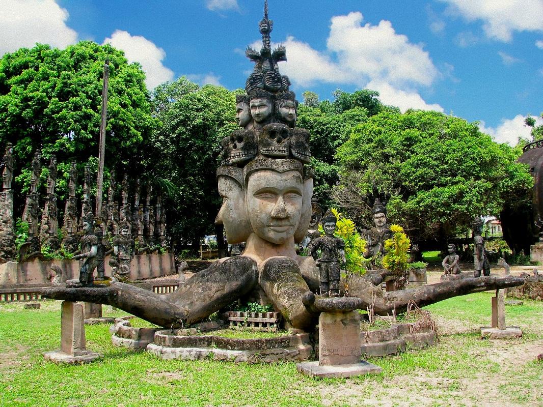 Du Lịch Lào Giá Rẻ - Hành Trình Khám Phá Quốc Phật