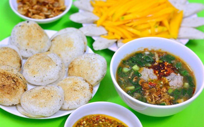 Địa chỉ ăn uống khi du lịch Đà Lạt - Bánh căn