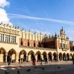 Hành trình 12 ngày khám phá Đông Âu - Cloth Hall - Krakow