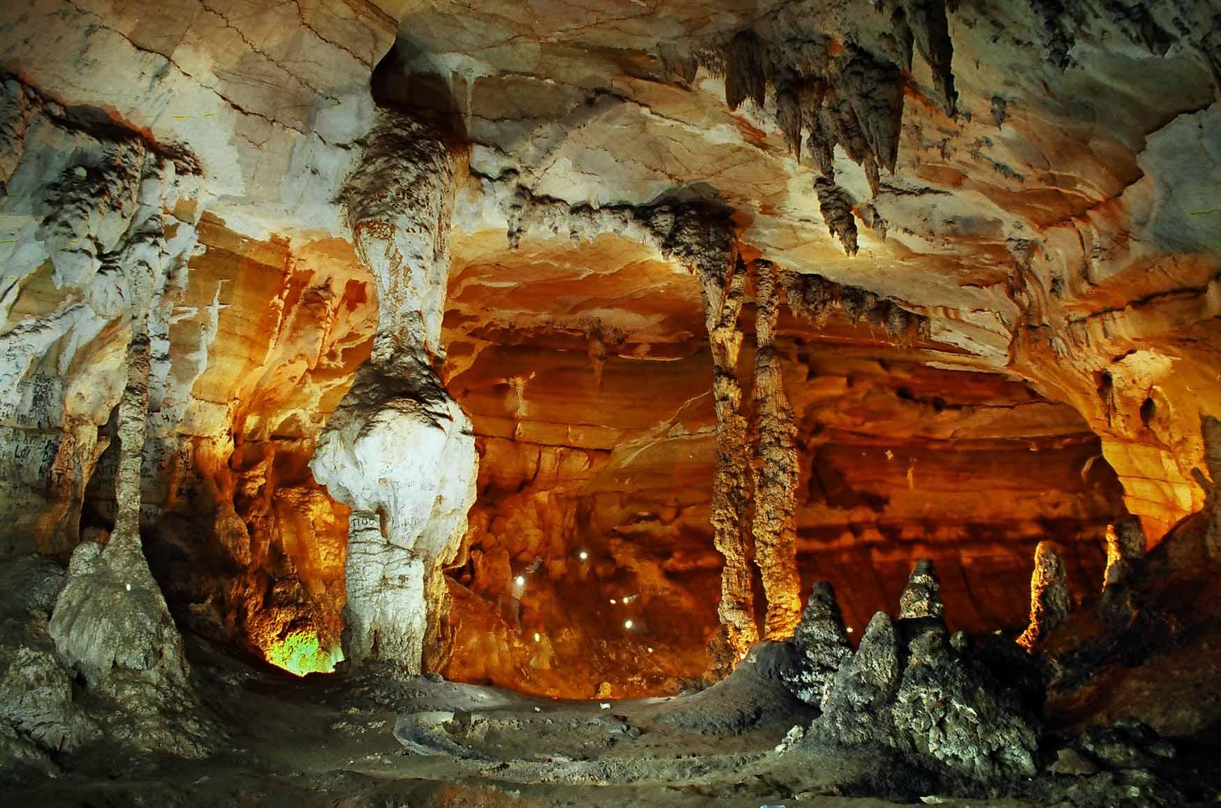 Tour Du lịch miền Trung 4N3Đ - Hang Kỳ Bí