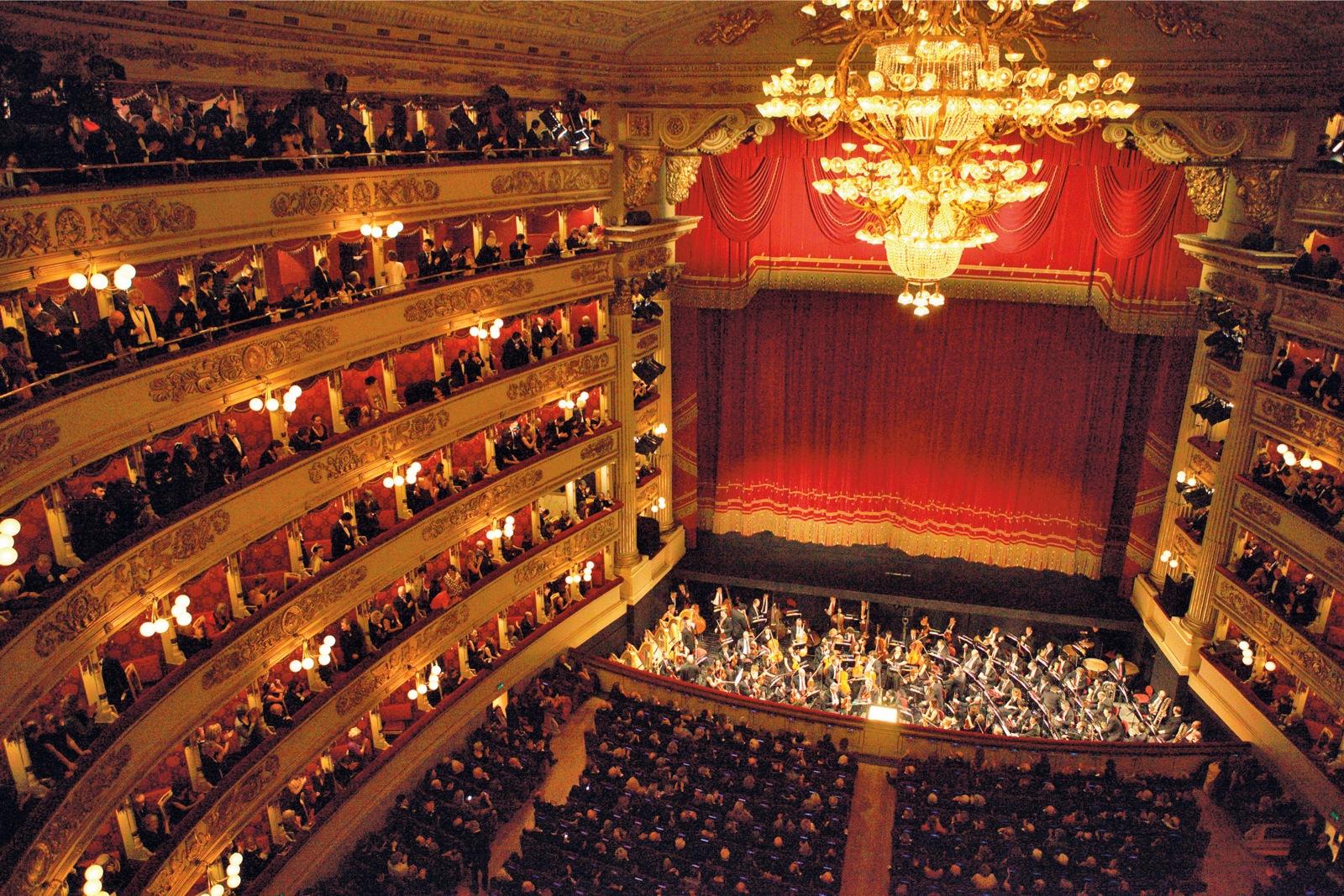 Hành trình khám phá Châu Âu 10N9Đ - Nhà hát La Scala
