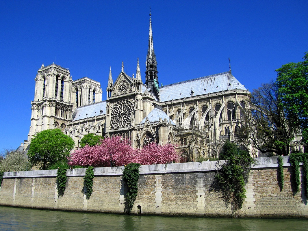 Hành trình khám phá Châu Âu 10N9Đ - Nhà thờ Đức Bà Paris