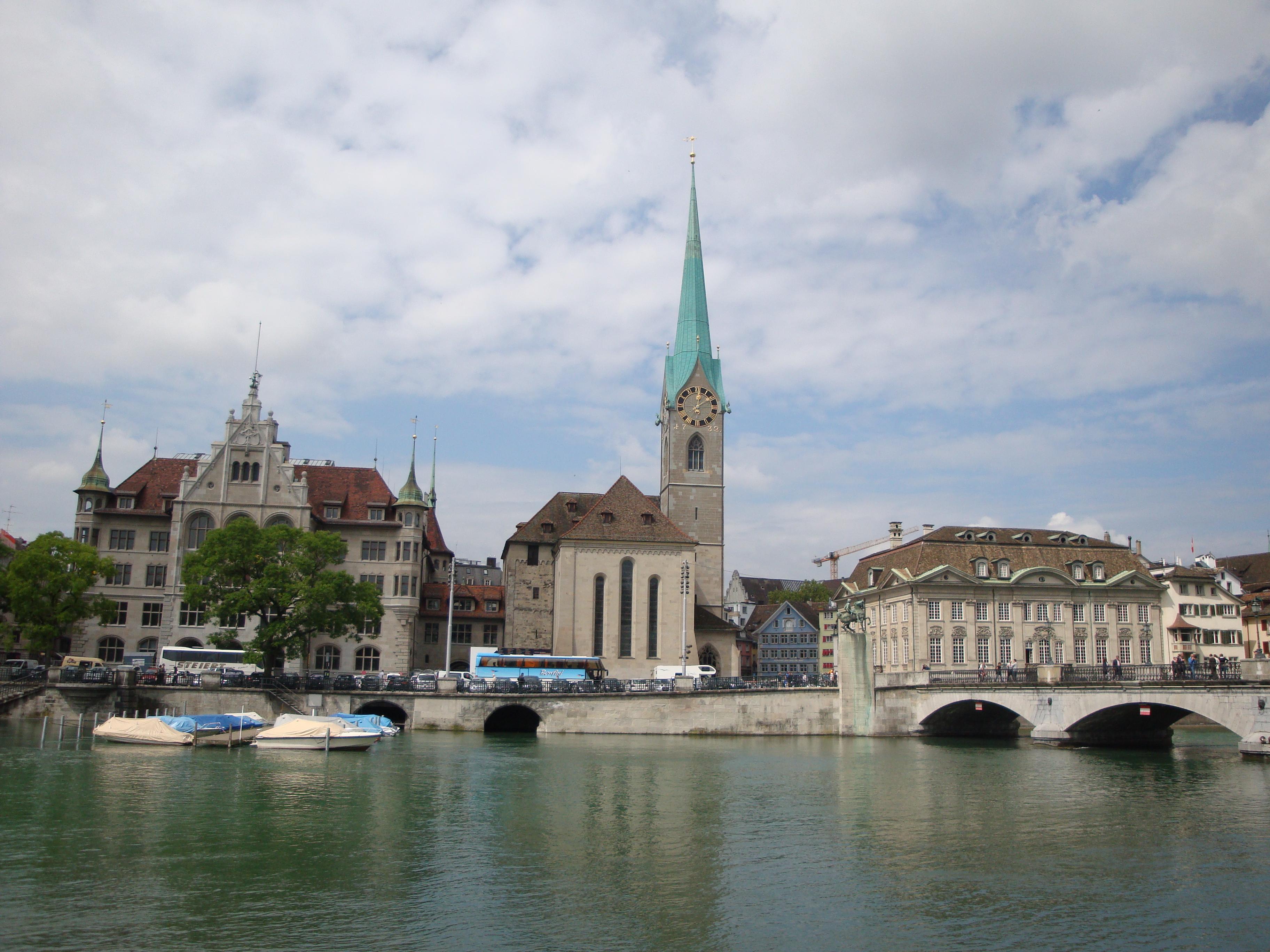 Hành trình khám phá Châu Âu 10N9Đ - Nhà thờ Fraumunster