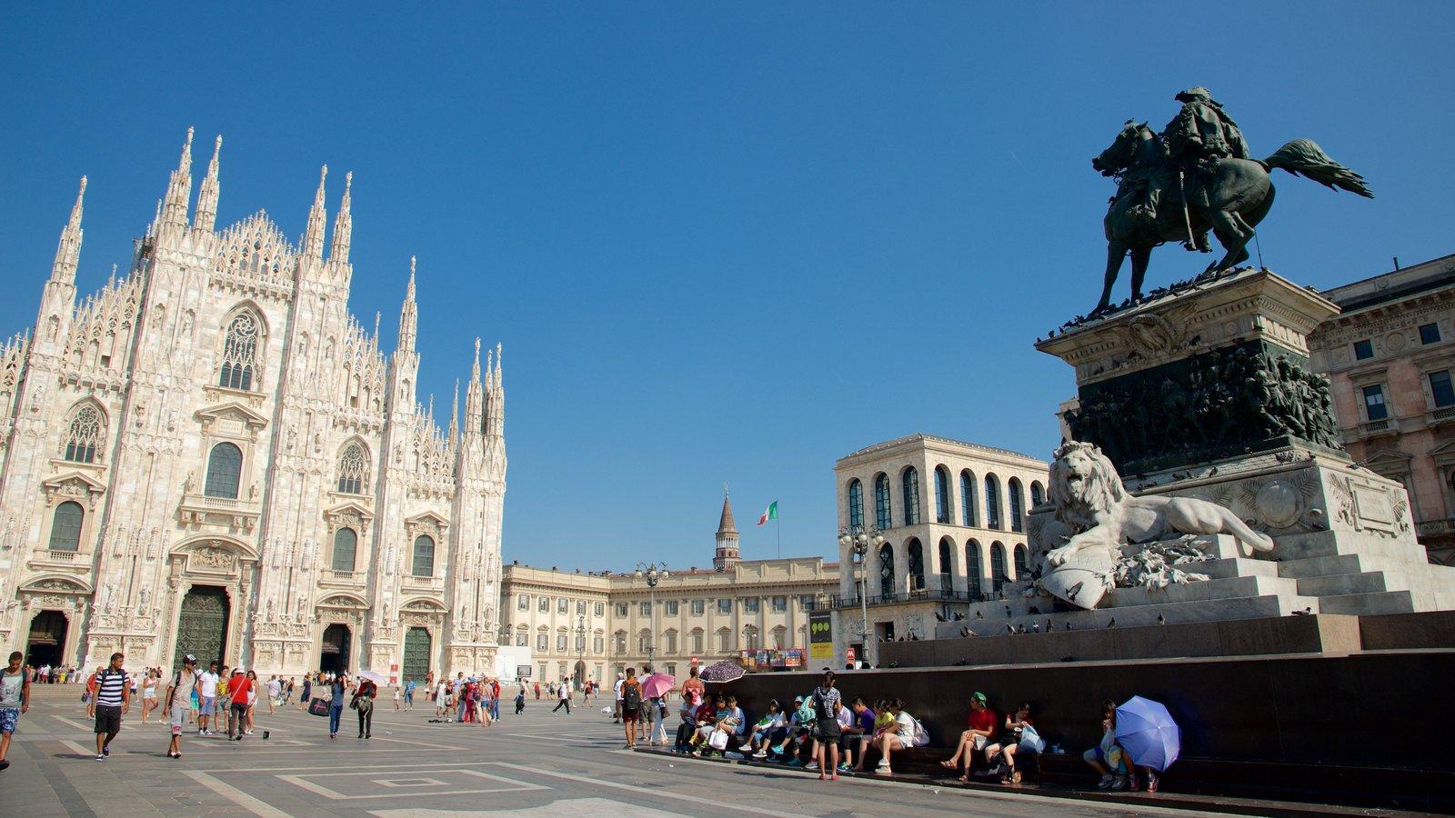 Hành trình khám phá Châu Âu 10N9Đ - Quảng trường Piazza del Duomo