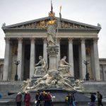 Hành trình 12 ngày khám phá Đông Âu - Tòa nhà Quốc Hội Áo