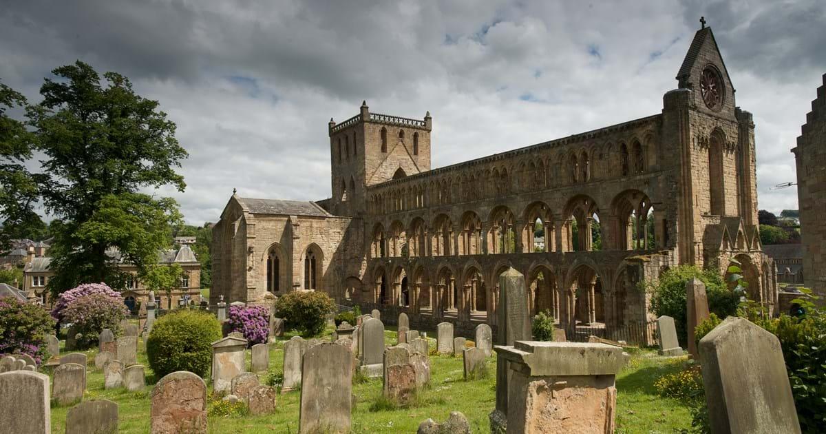 Hành trình du lịch Anh - Scotland 10N9Đ - Tu viện cổ Jedburgh