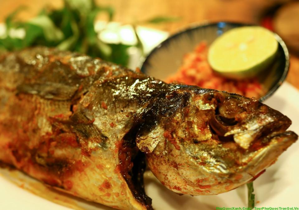 Món ngon Phú Quốc - Cá sòng nướng