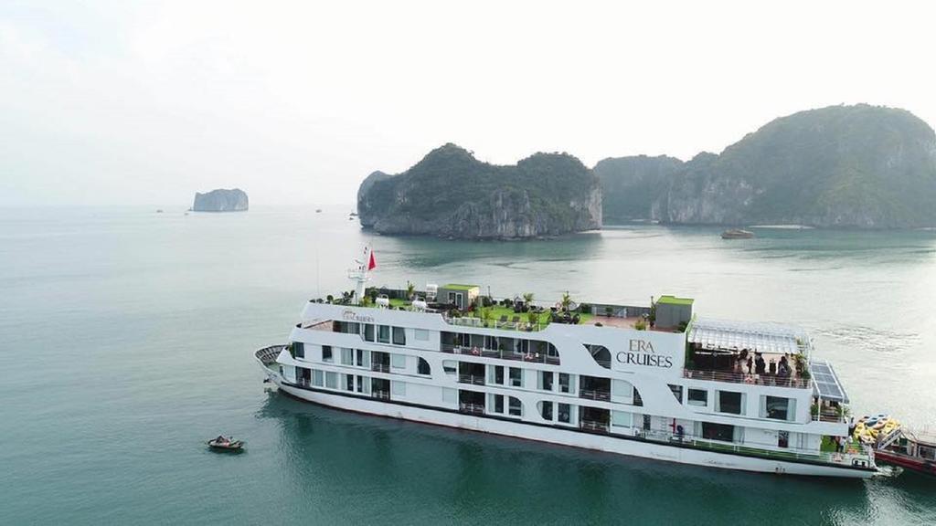 Du thuyền Era, Hạ Long