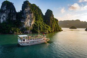Du thuyền Lavender, Hạ Long