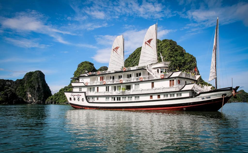 Du thuyền Signature, Hạ Long