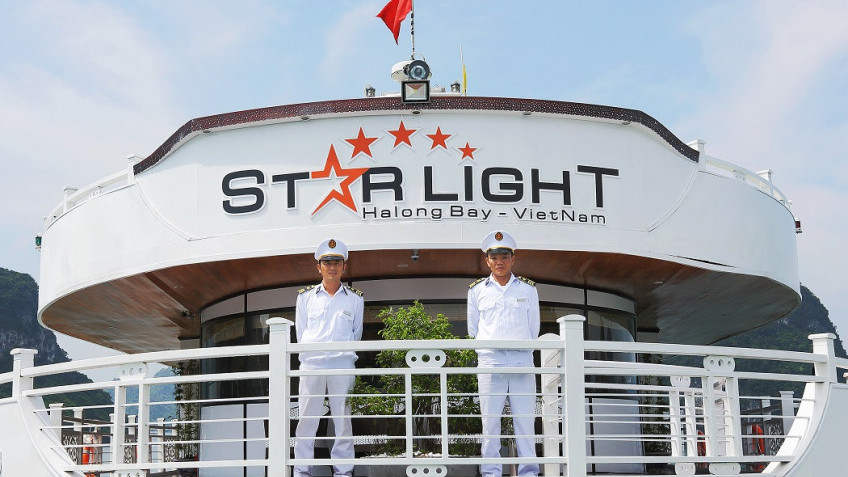 Du thuyền Starlight, Hạ Long