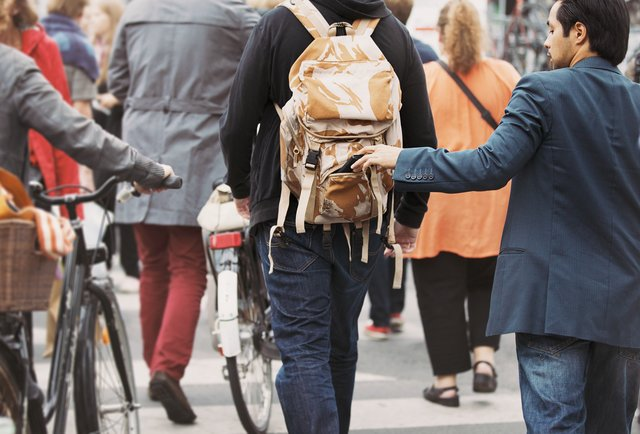 Cách tránh bị trộm đồ khi du lịch Châu Âu
