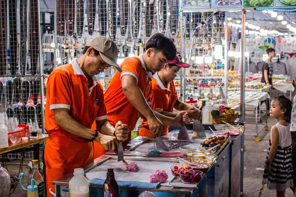 kem cuộn tại chợ đêm phú quốc
