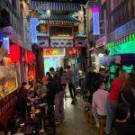 Hẻm bia Hà Nội nhưng ngỡ như ở Hong Kong, bạn đi chưa?