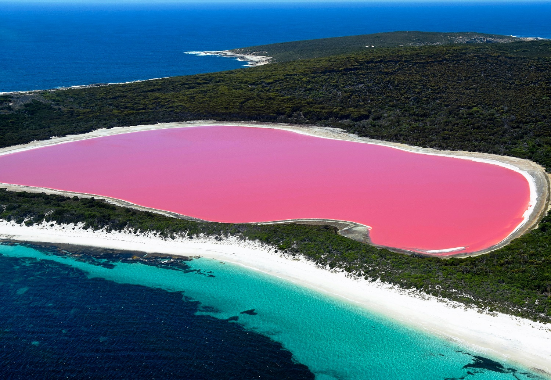 những hồ nước co vẻ đẹp ấn tượng nhất
