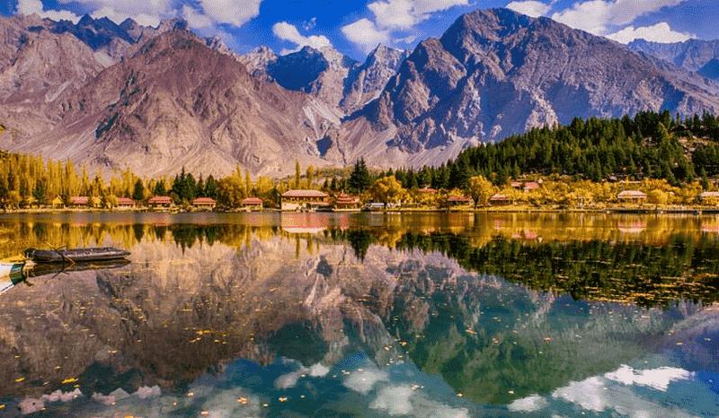những hồ nước đẹp nhất pakistan