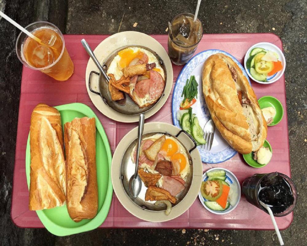 Top 4 quán bánh mì chảo ngon nhất ở Sài Gòn