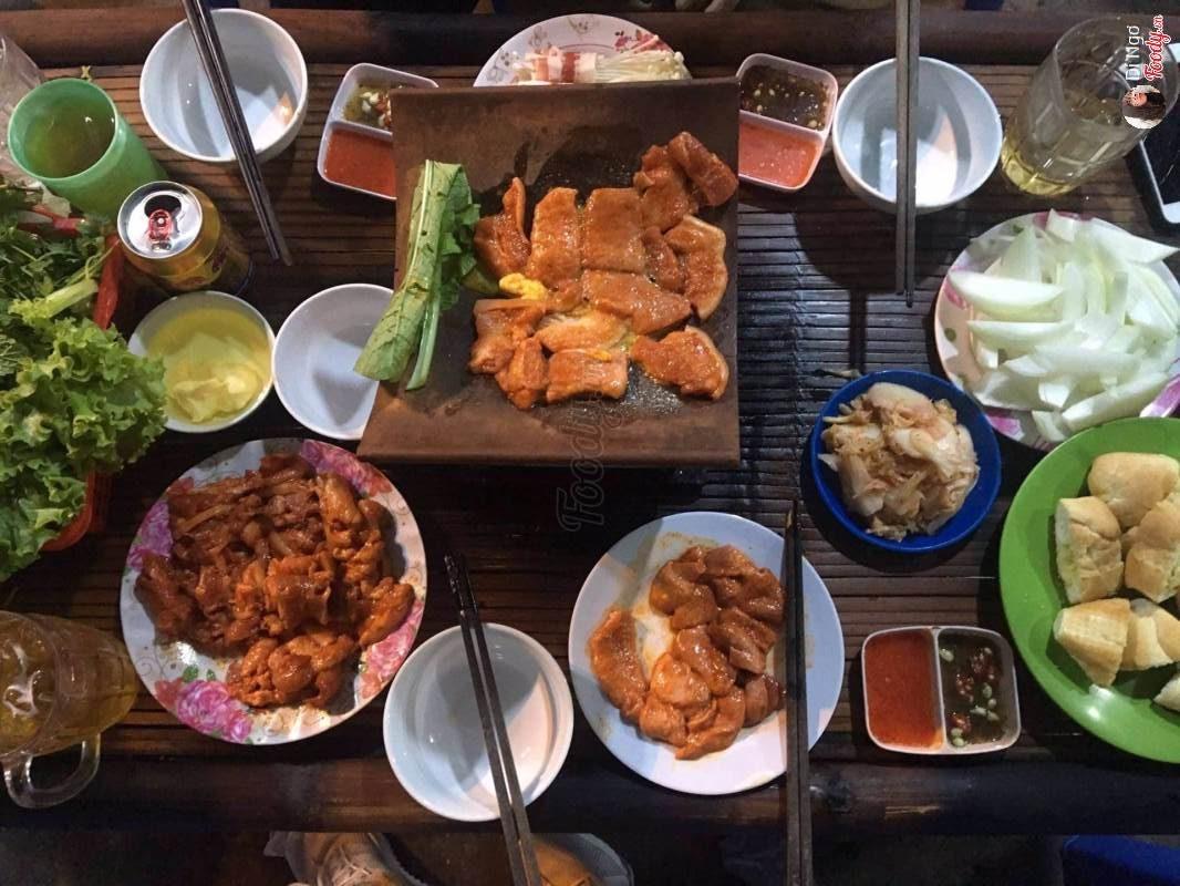 Ăn nướng ngói nóng ấm cùng bạn bè gần Hồ Tây