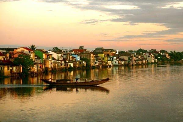 Phố cổ Bao Vinh Huế - Dấu tích vang bóng một thời bên bờ sông Hương